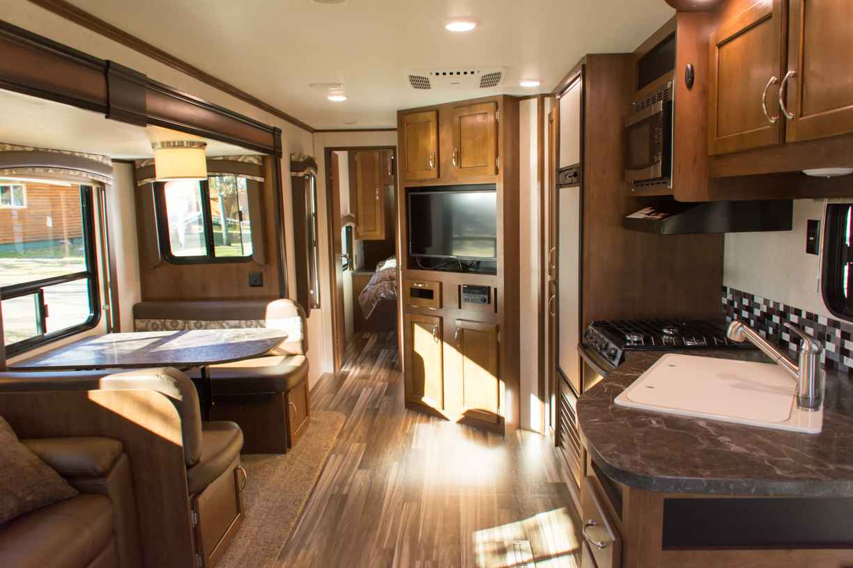 Awesome 2017 Used Jayco JAY FLIGHT 28RLS Travel Trailer In Minnesota MN