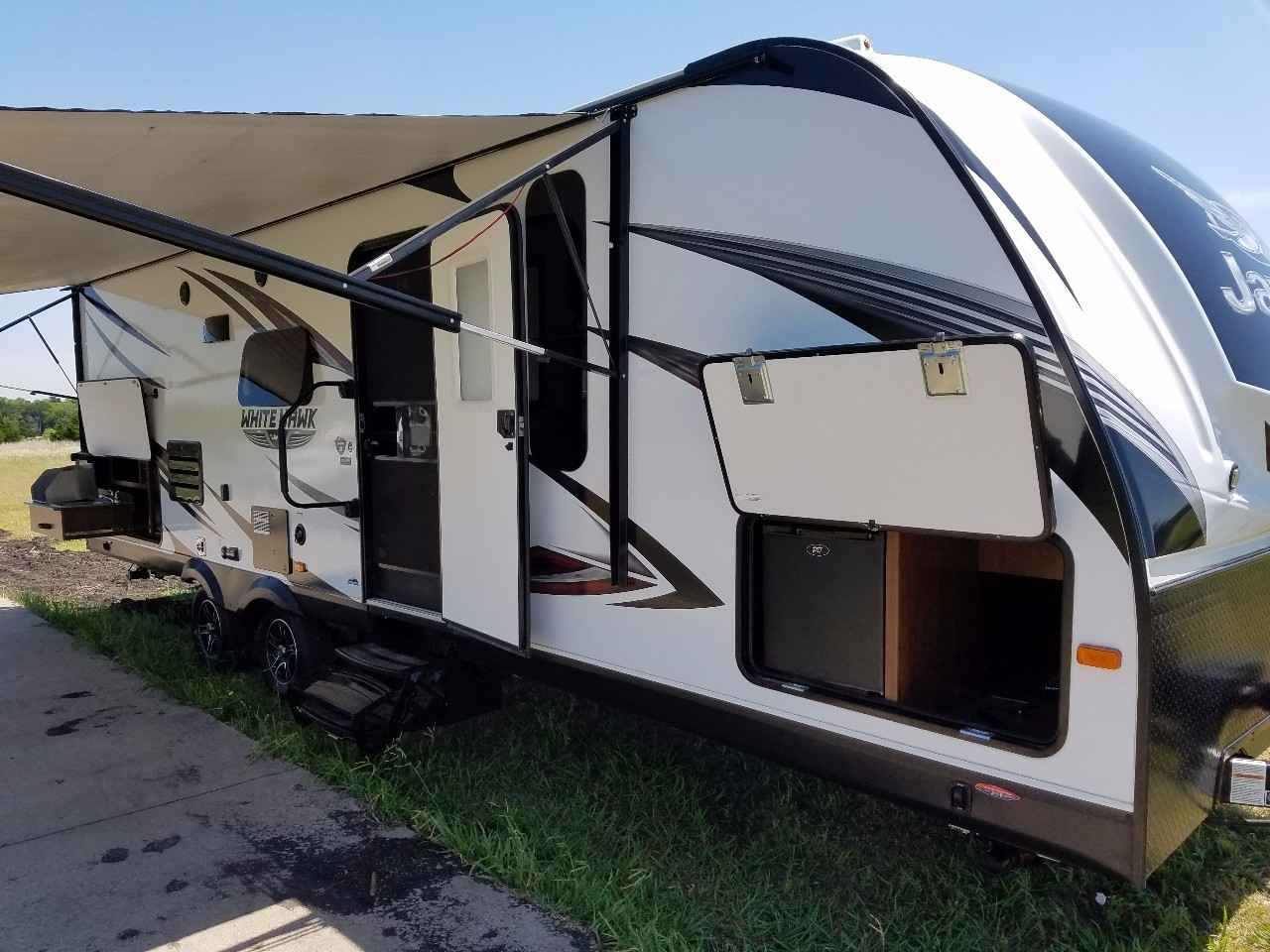 Fantastic He Himself Lived In An RV For Three Months Once They Are More Like A Real Home, Hymer Said Popular Models At His Business Are Manufactured By The Jayco Co Most Of Them Are Fifthwheel Trailers, Which Are Towed By Another Vehicle