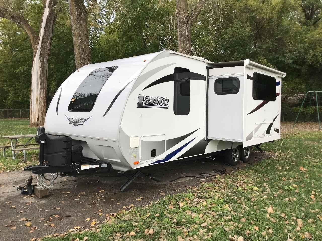 2017 Used Lance 2185 Travel Trailer in Kansas KS