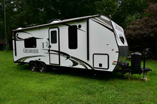 2017 Used Outdoors Rv Manufacturing CREEK SIDE 22RB Travel ...