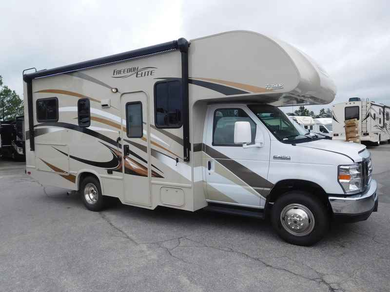 2017 Used Thor Motor Coach Freedom Elite 23h Class C In