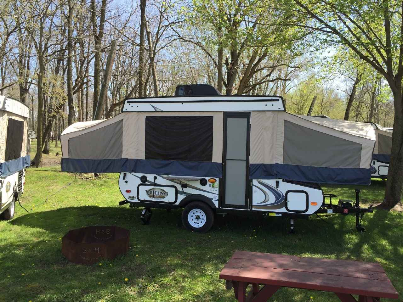 2017 used viking epic 2108st pop up camper in indiana in. Black Bedroom Furniture Sets. Home Design Ideas