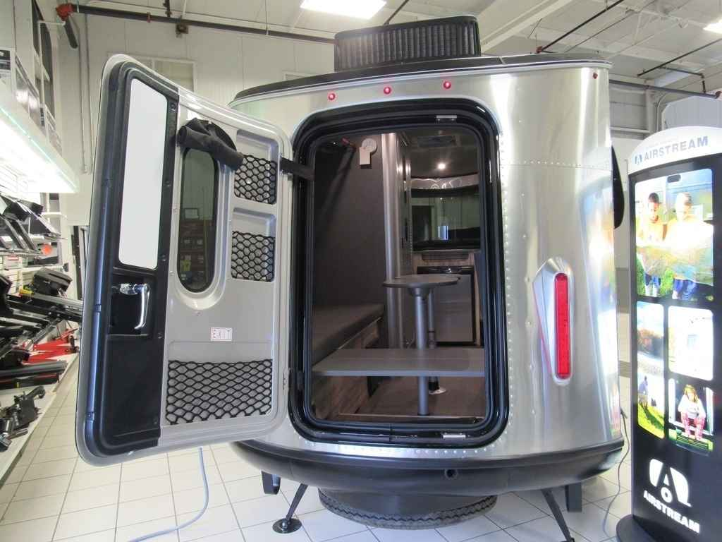 2018 New Airstream Basecamp 16nb Travel Trailer In Vermont Vt