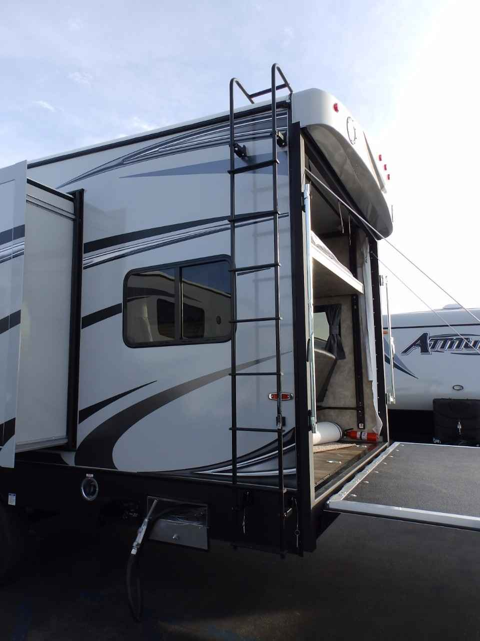 2018 New Eclipse Recreational Vehicles Attitude 28sag 2