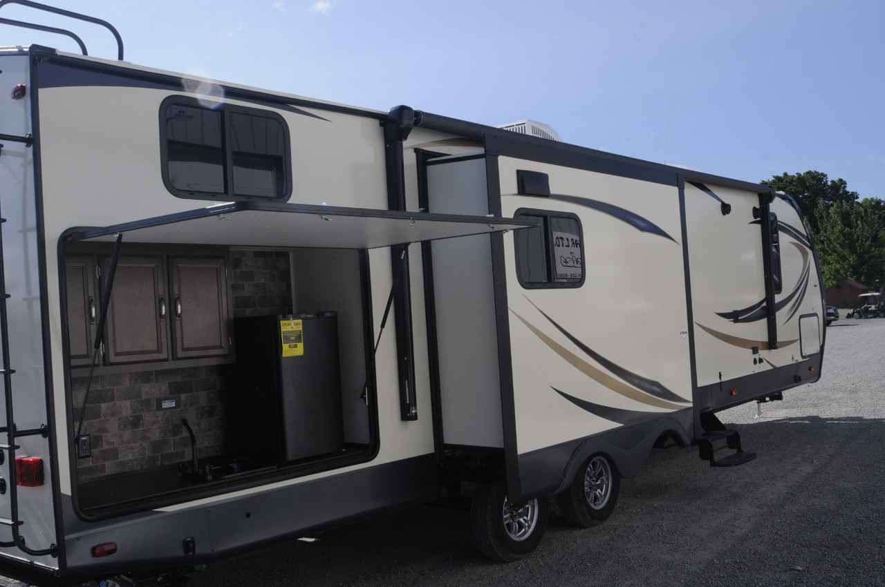 Ft Self Contained Travel Trailer
