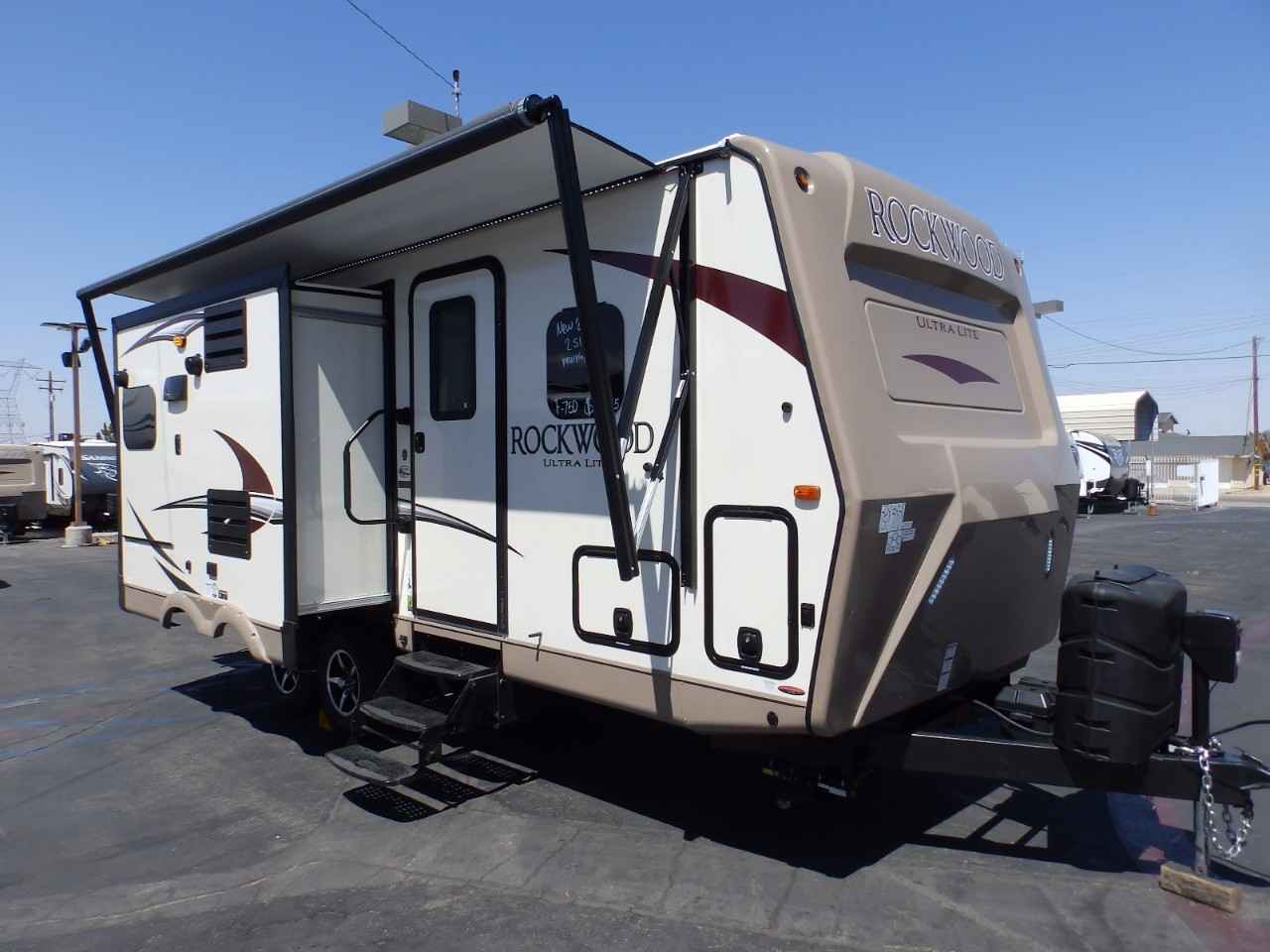2018 New Forest River Rockwood 2304ds 2 Slides Power