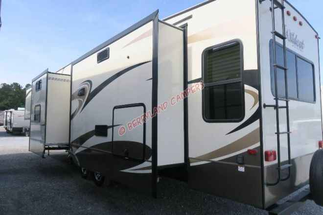 Excellent 2018 New Forest River Wildcat 383MB Fifth Wheel In