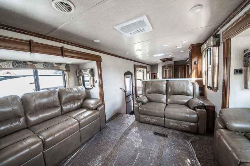2018 New Heartland Bighorn Traveler Bhtr 39 Fl Fifth Wheel