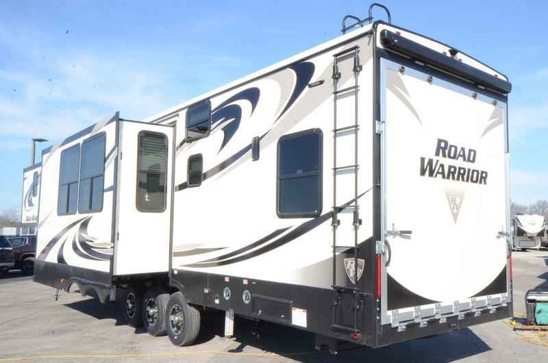 Luxury 2018 New Heartland ROAD WARRIOR 427RW TOY HAULER Toy
