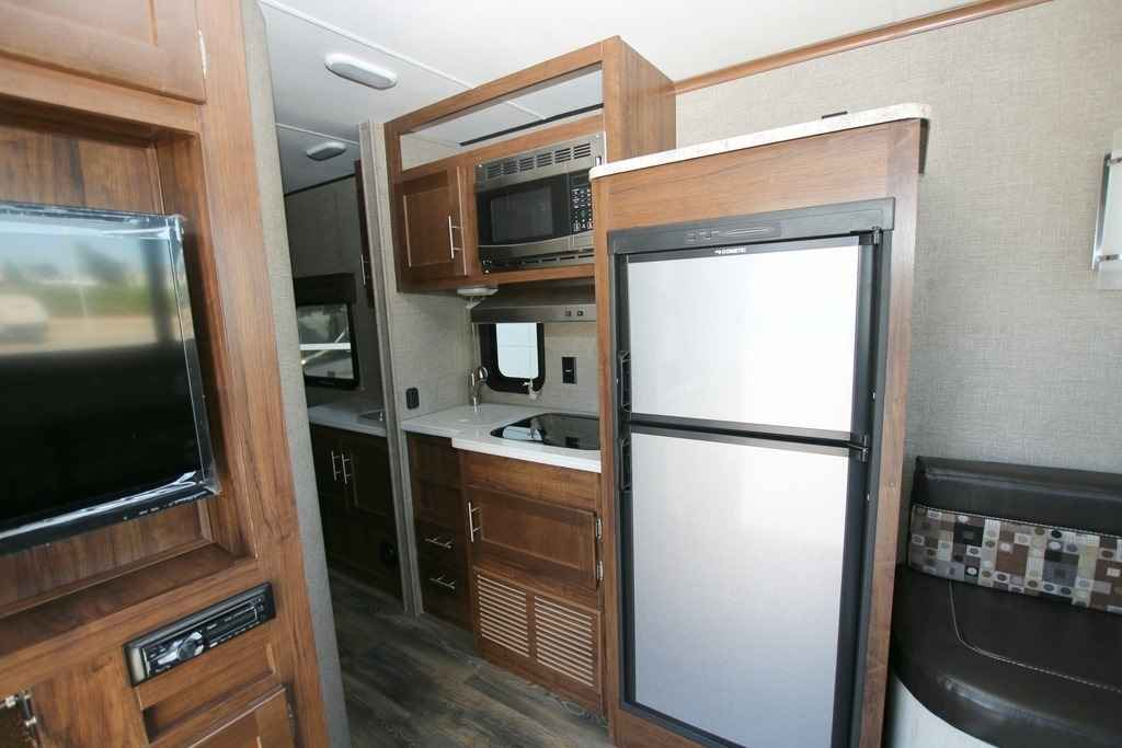 2018 New Heartland Terry Classic V21 Travel Trailer In