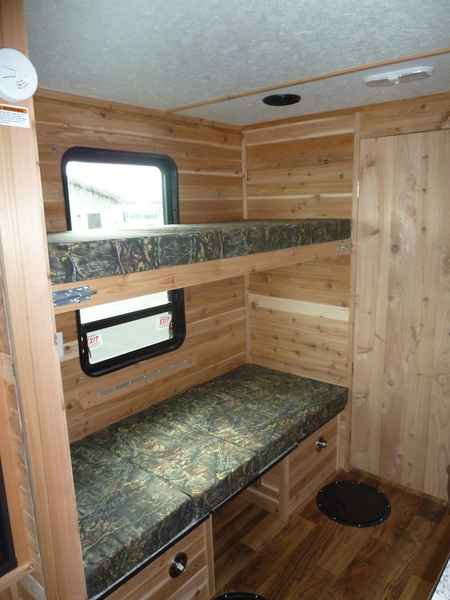 2018 New Ice Castle Fish Houses Rugged Rv 8x21v Travel