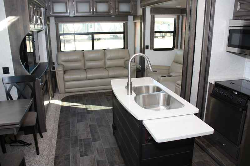 2018 New Keystone Rv Montana High Country 345rl Fifth