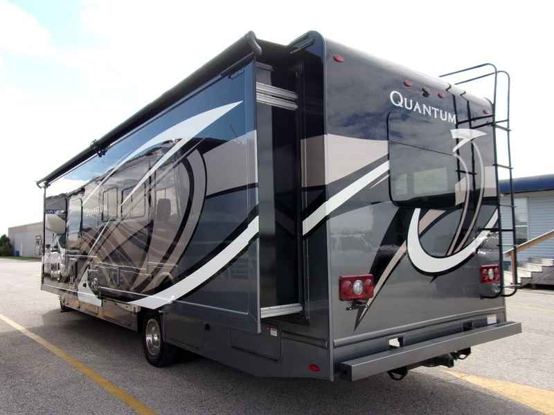 2018 New Thor Motor Coach Quantum Ws31 Class C In Indiana In