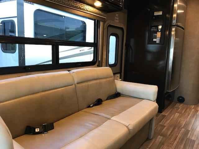 2018 New Thor Motor Coach Quantum Ws31 Class C In New