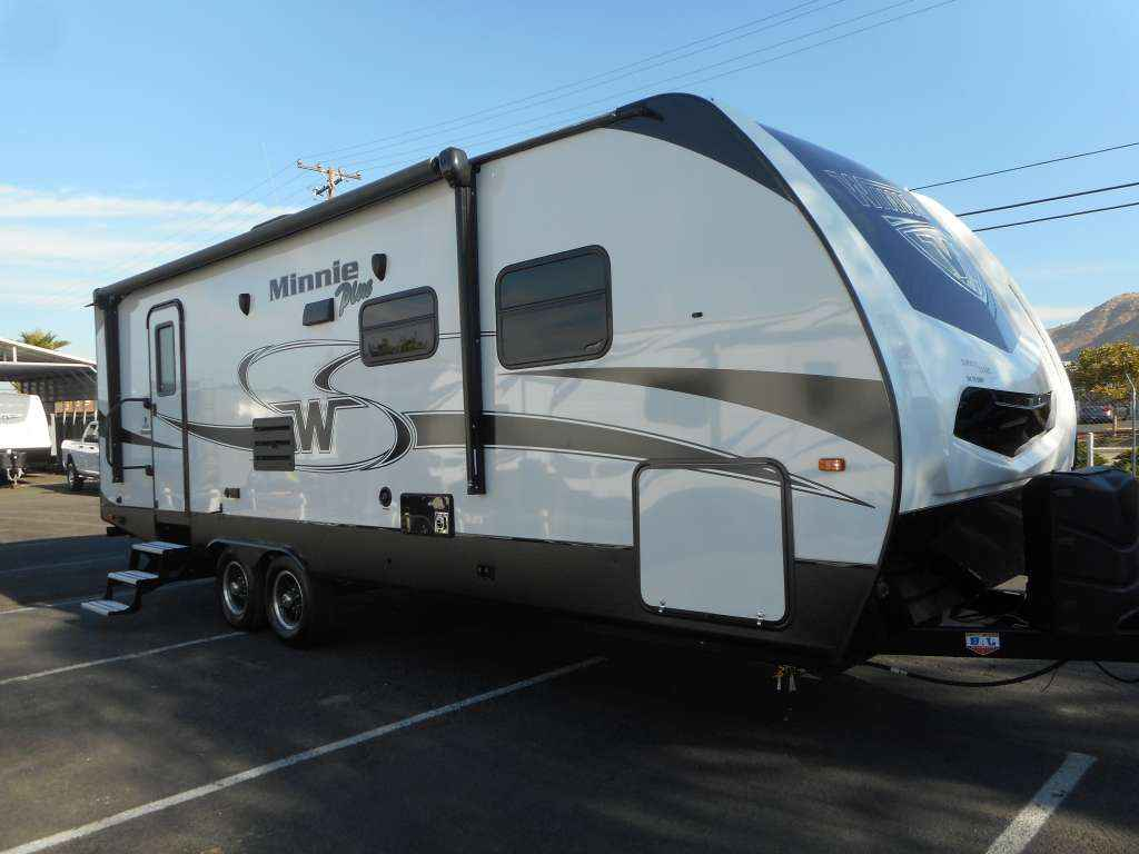 2018 New Winnebago 26rbss Minnie Plus Travel Trailer In