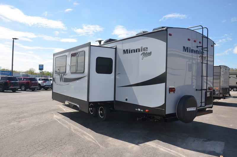 Original 2018 New Winnebago MINNIE PLUS 27BHSS TRAVEL TRAILER Travel Trailer In