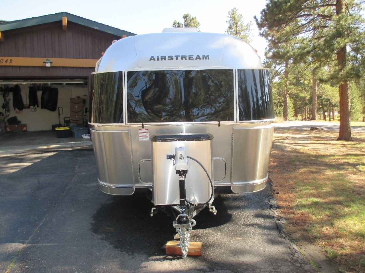 2018 Used Airstream FLYING CLOUD 27FB Travel Trailer in Colorado CO