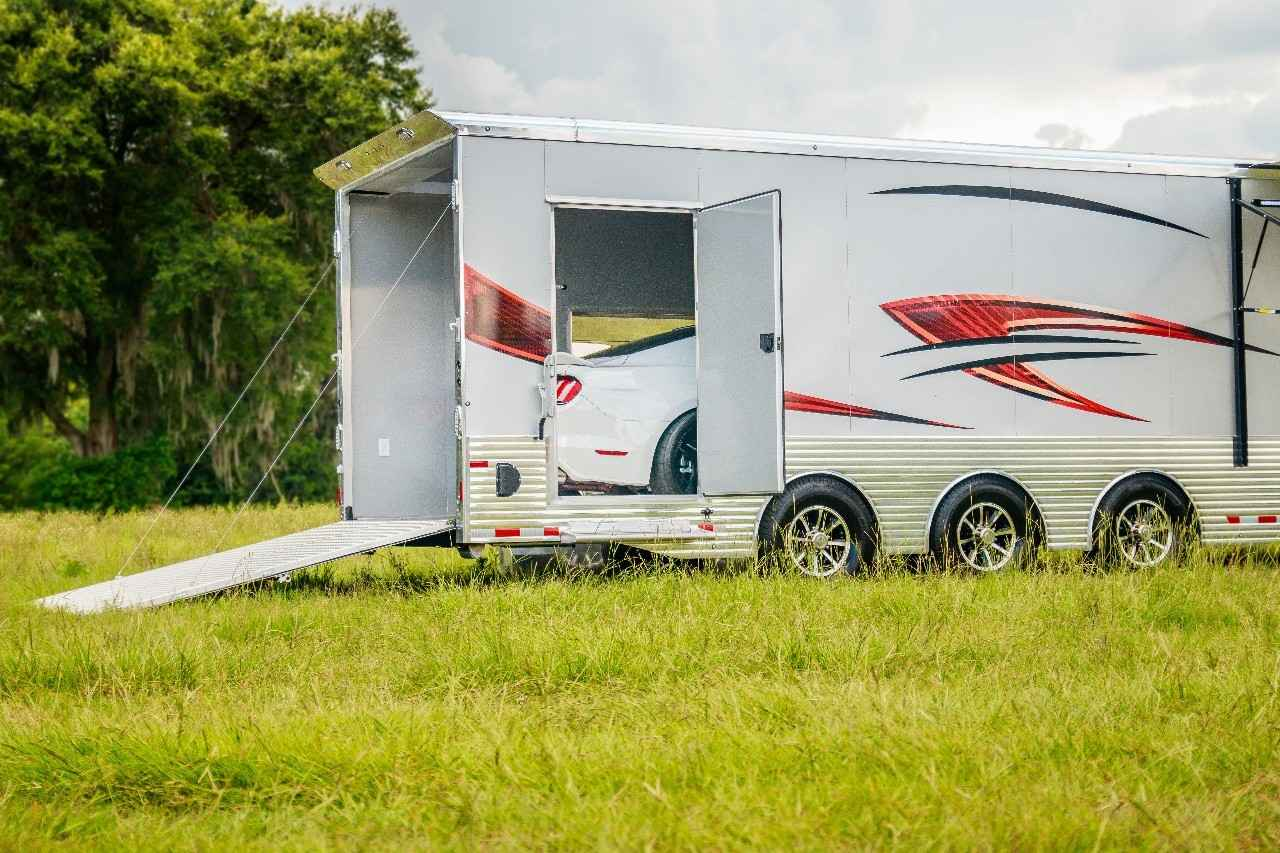 2018 Used Sundowner All Aluminum Fifth Wheel Gooseneck Luxury Toy