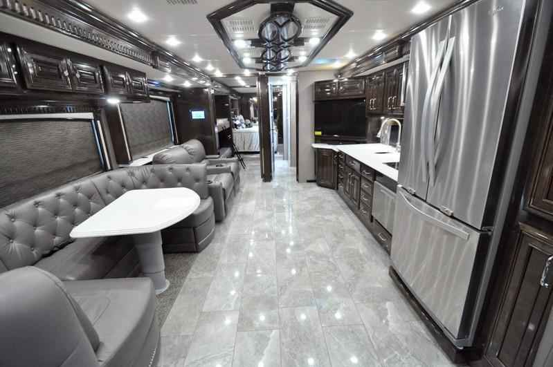 2019 New Monaco Rv Signature 40j Bunk Model Diesel Rv W